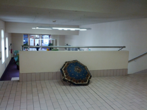 And they have random things in the hallways. Including cannons.